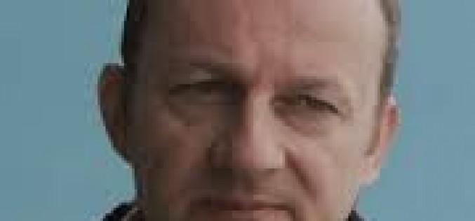 O Β' ΑΝΤΙΠΡΟΕΔΡΟΣ ΤΗΣ ΟΙΕΛΕ ΑΛΕΚΟΣ ΓΟΥΛΑΣ ΣΤΟ ΠΛΕΥΡΟ ΤΩΝ ΑΝΑΠΛΗΡΩΤΩΝ, ΣΥΝΟΜΙΛΗΣΕ ΜΕ ΣΥΝΑΔΕΛΦΟΥΣ ΠΡΟΕΡΧΟΜΕΝΟΥΣ ΑΠΟ ΤΗΝ ΙΔΙΩΤΙΚΗ ΕΚΠΑΙΔΕΥΣΗ – ΔΕΙΤΕ ΤΗΝ ΠΡΟΤΑΣΗ ΤΗΣ ΟΙΕΛΕ ΓΙΑ ΤΟΥΣ ΑΝΑΠΛΗΡΩΤΕΣ