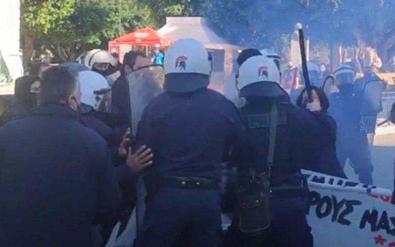ΟΙΕΛΕ: Καταδικάζουμε τις αθλιότητες κυβέρνησης-Χρυσοχοΐδη την ημέρα μνήμης του Αλ. Γρηγορόπουλου με μπαράζ συλλήψεων και προσαγωγών και με ντροπιαστικές σκηνές σπίλωσης του μνημείου του δολοφονημένου μαθητή