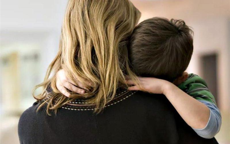 Θύματα της αναλγησίας Κεραμέως οι απλήρωτες μητέρες ιδιωτικοί εκπαιδευτικοί: «Πώς θα πω στο παιδί μου ότι δεν θα μπορέσουμε να του πάρουμε ένα παιχνιδάκι στις γιορτές;»