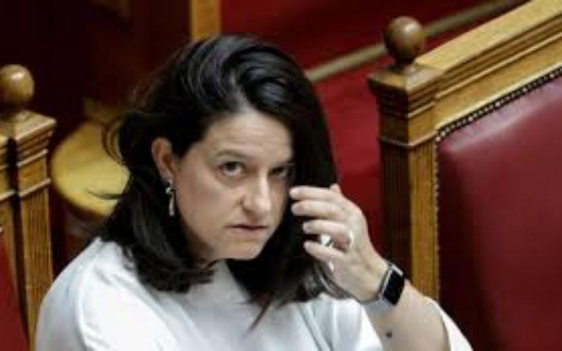 Μικροκομματικά τερτίπια και διασπαστικοί τακτικισμοί: Έτσι αντιλαμβάνεται το διάλογο η Υπουργός Παιδείας…