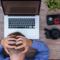 Εργασιακός μεσαίωνας στον καιρό της τηλεκπαίδευσης: Η «ψηφιακή» εξουθένωση των ιδιωτικών εκπαιδευτικών με την ανοχή του  Υπουργείου Παιδείας