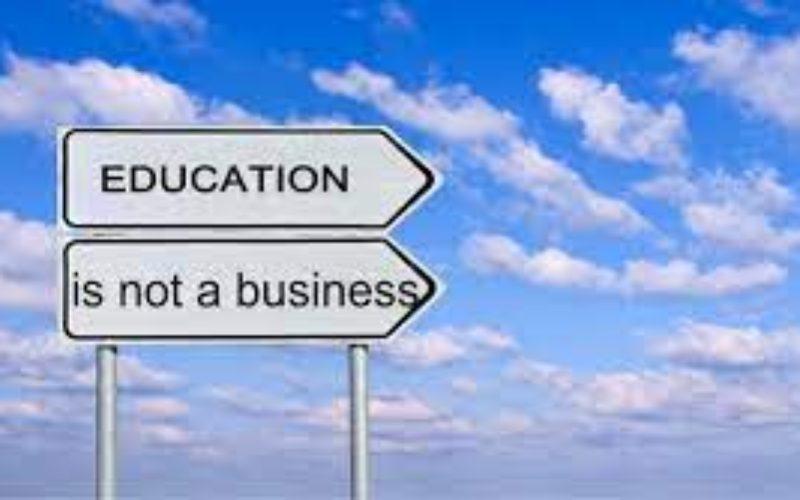 Πολυνομοσχέδιο: Αναστήλωση του κομματικού κράτους και του επιθεωρητισμού, επιβολή όρων αγοράς και διόγκωσης των ανισοτήτων στην Παιδεία. Ούτε λέξη για την αξιολόγηση στα ιδιωτικά σχολεία κατ' εντολήν των σχολαρχών